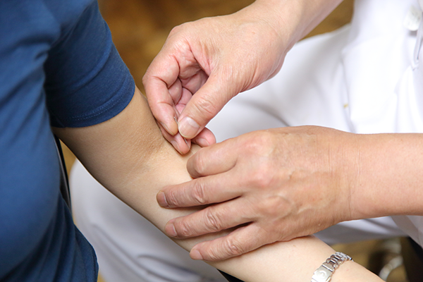 確かな治療で少しでも早くあなたの痛み・つらさを取り除きます。